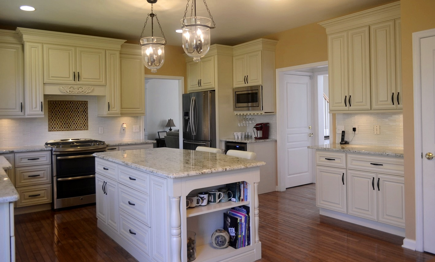 Kitchen cabinets avl trading llc for Kitchen cabinets 60056